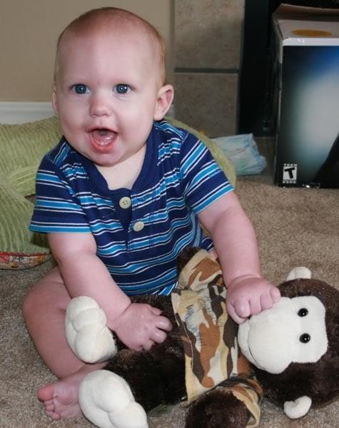 Bebê com 1 ano e 10 meses de idade