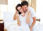 Casal descobrindo gravidez