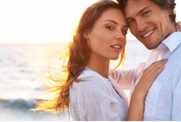Casal de namorados na praia