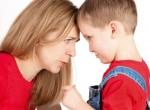 Mãe conversando com filho