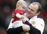 Pai e filho no estádio