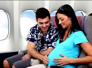 Viajar de avião durante a gravidez