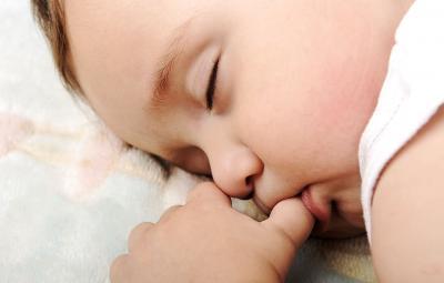 5 maneiras de manter horário de sono do bebê durante uma viagem image